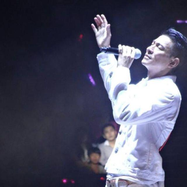 无须担心(刘德华2005演唱会live)图片